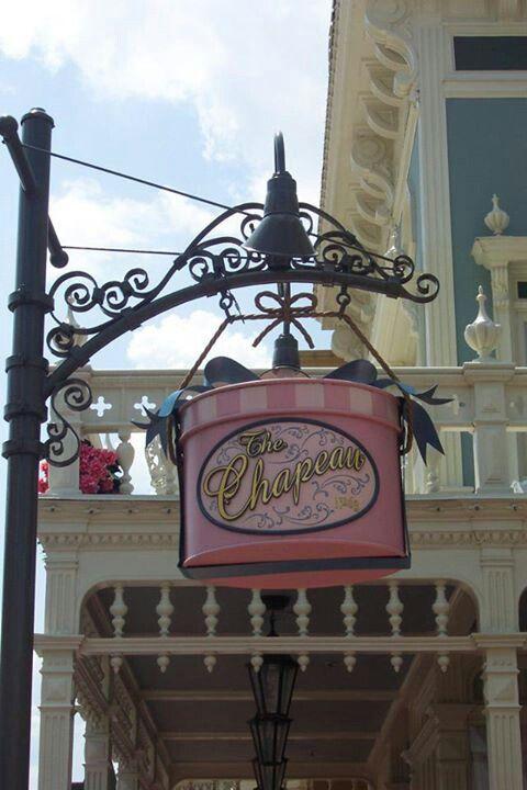 Le Chapeau, Mainstreet USA, Magic Kingdom